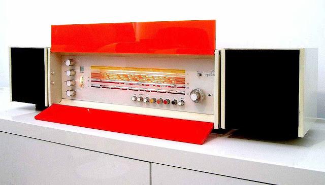 1968 plastic radio nordic design