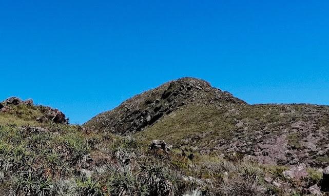 Pico do Elefante visto do pré-cume sudeste. (Foto: Orlandinho Barros)