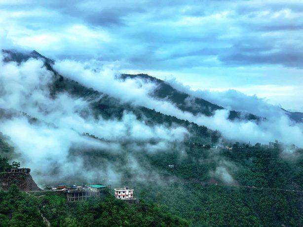 Ziarah Sekaligus Refreshing di Uttarakhand