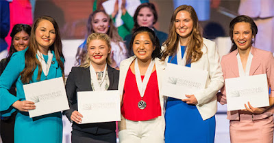 High school girls from Distinguished Young Women