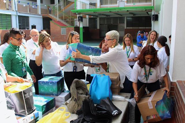 VENEZUELA:Voluntariado Banesco se solidarizó con escuela de AVEC.