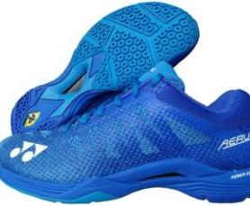 Rekomendasi Sepatu Yonex Terbaik