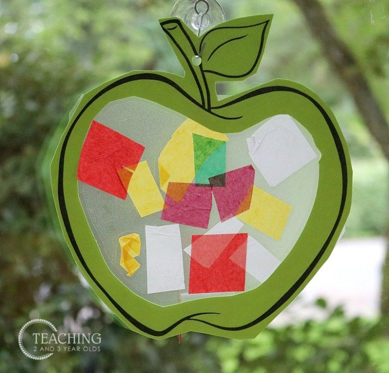 apple suncatcher craft for toddlers and preschoolers