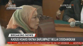 """Ratna Rarumpaet Curhat Politisasi, hakim """"Semprot"""" Ratna"""