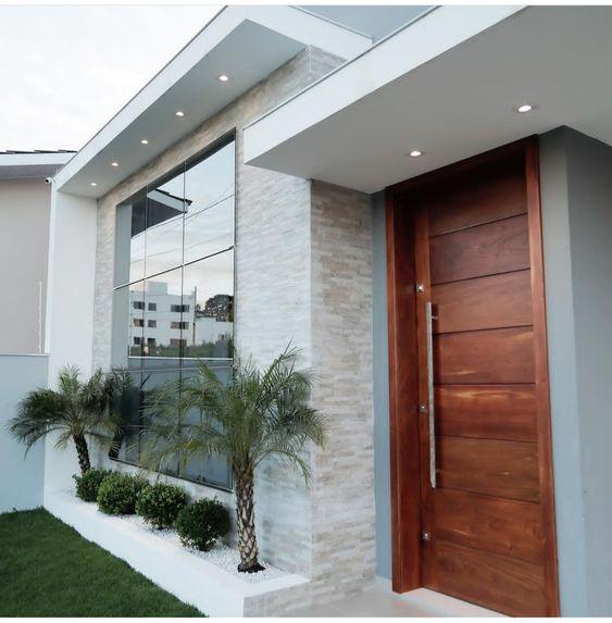 33 impresionantes diseños modernos de madera para puertas exteriores