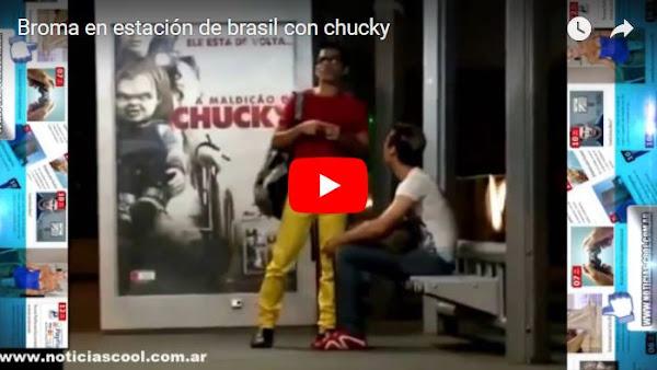 Que harías si Chucky te persigue con un puñal?