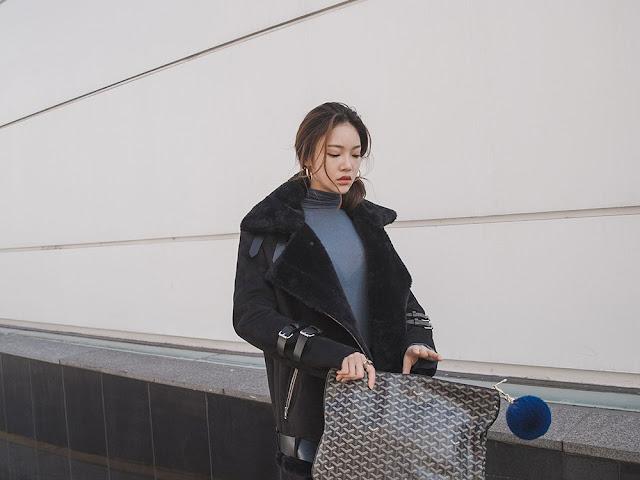 Park Jung Yoon - Black Velvet Jeans Black Boots #7