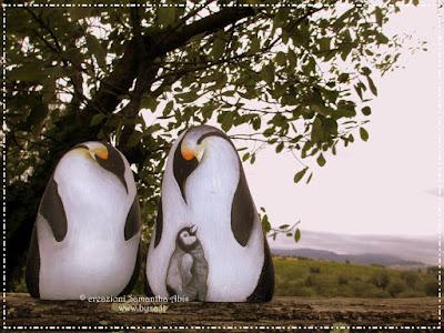 sassi dipinti pinguini
