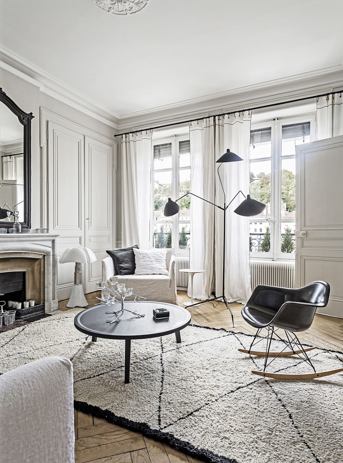 French-Style City Apartment. {Décor Inspiration} | Cool ... on Apartment Decorating Styles  id=15416