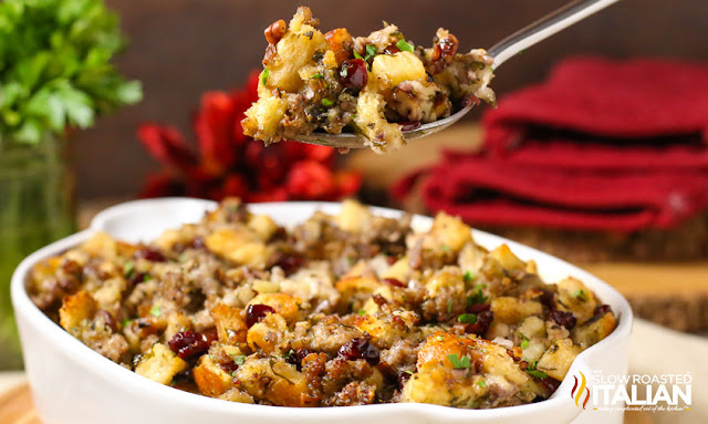 https://www.theslowroasteditalian.com/2014/11/sausage-cranberry-and-apple-stuffing.html