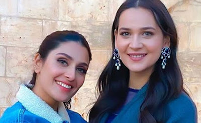 Ertugrul's Gulsim Ali showers love on Ayeza Khan's latest snap