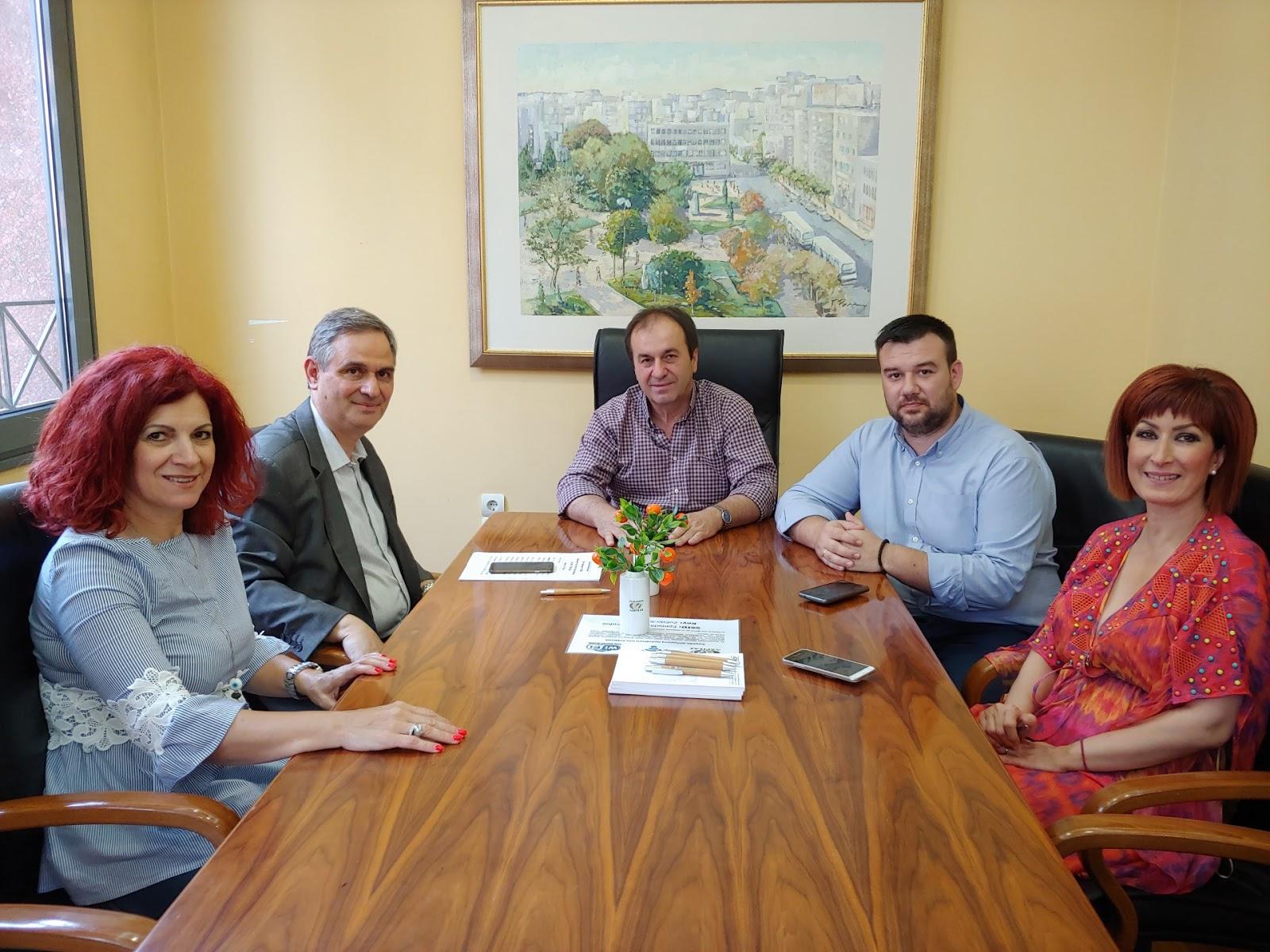 Συνάντηση Σαχινίδη στο Επιμελητήριο Λάρισας