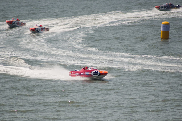 Nexa P1 Powerboat action picture on friday qualifying round-