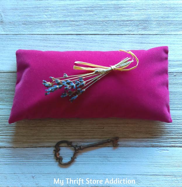 Secret Garden Herbs lavender eye pillow