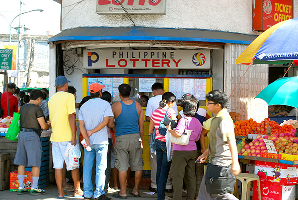 Cigarette Vendor Becomes A Millionaire After Winning LOTTO! What Does He Plan To Do With The Money? Read Here!