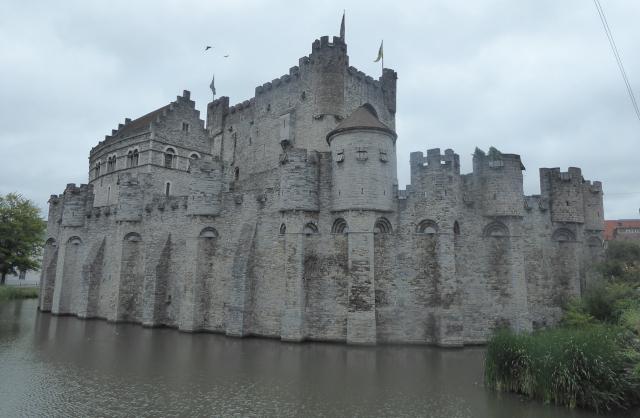 Castell retaurat de Gravesteen