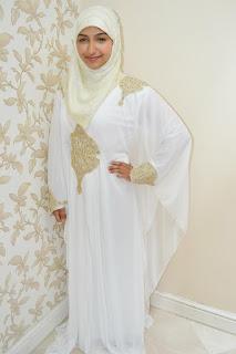 فستان زفاف ويصلح عباية استقبال فى يوم كتب الكتاب
