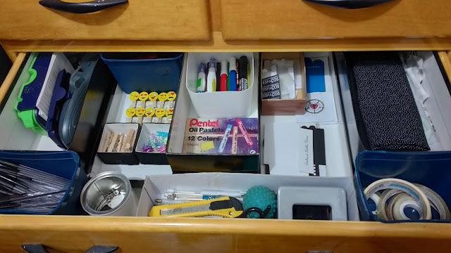 Como organizar as gavetas no office gastando pouco