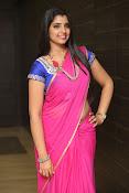 syamala sizzling saree stills-thumbnail-12