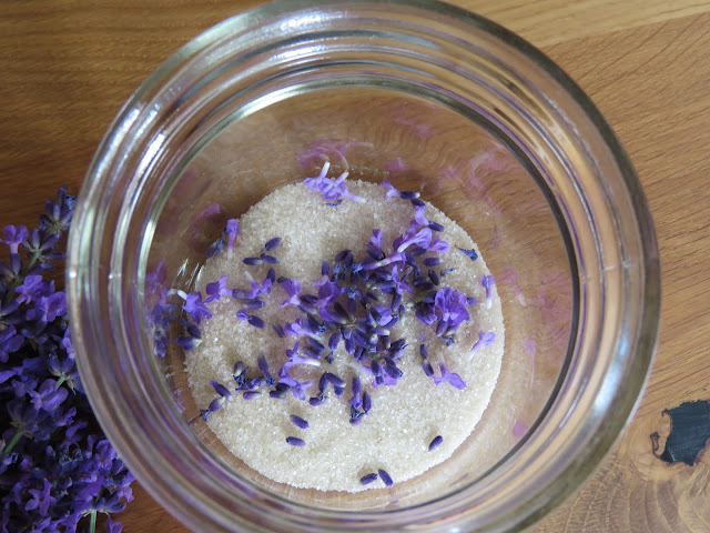 Foto 2: Lag ditt eget lavendelsukker. Norgesglass. Furulunden.