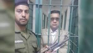 آشیانہ ہاؤسنگ میں شہباز شریف کا کرپشن : پنجاب کا اہم بیوروکریٹ احد چیمہ گرفتار، 11 روزہ ریمانڈ، بیوروکریسی کے دفاتر آنے کا اعلان