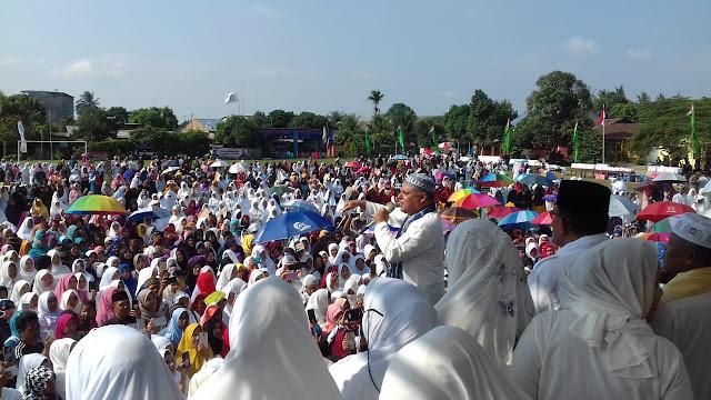Mantu Jokowi Hadiri Acara Dzikir Akbar Bersama Ribuan Relawan di Medan