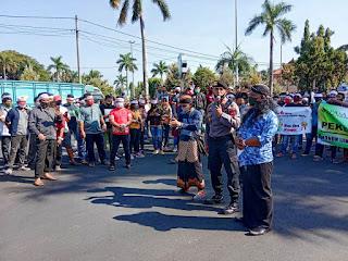 Sinegritas TNI–Polri dibantu Dengan Satpol PP Amankan Jalannya Aksi Asosiasi Pekerja Seni Jepara