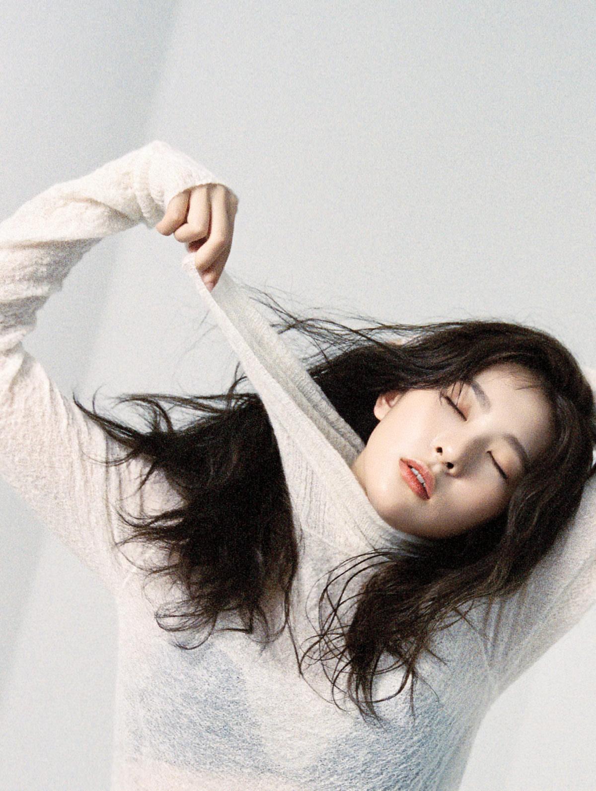 Red Velvet Seulgi Shocks Fans With Transparent Top! - Bias Wrecker