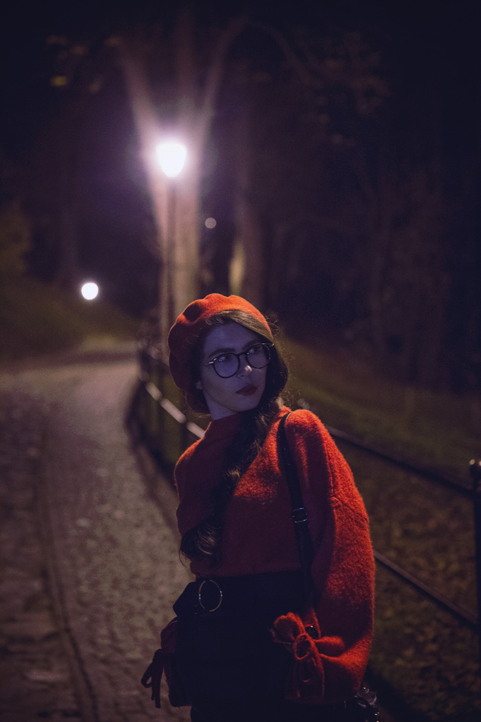 beret, czerwień, red, skirt,  stardivarius, night, Przemyśl, glasses, ocular canada, bershka beret, nightcity, red sweater bershka, french beret