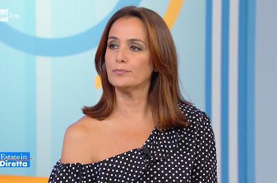foto Roberta Capua bella conduttrice TV estate in Diretta 30 luglio