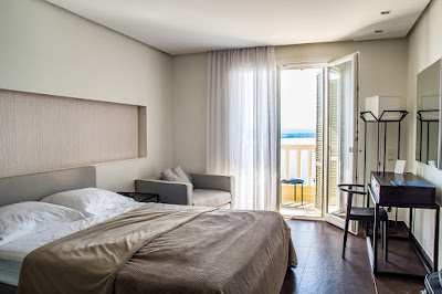 kamar hotel sederhana