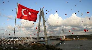 В Стамбуле сегодня состоялась церемония открытия третьего моста через Босфор, названного в честь султана Османской империи Селима I