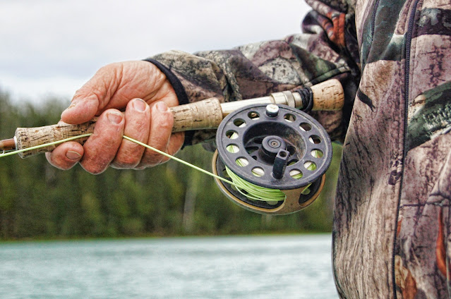 Fishing rod-How to select best fishing rod and fishing hook.
