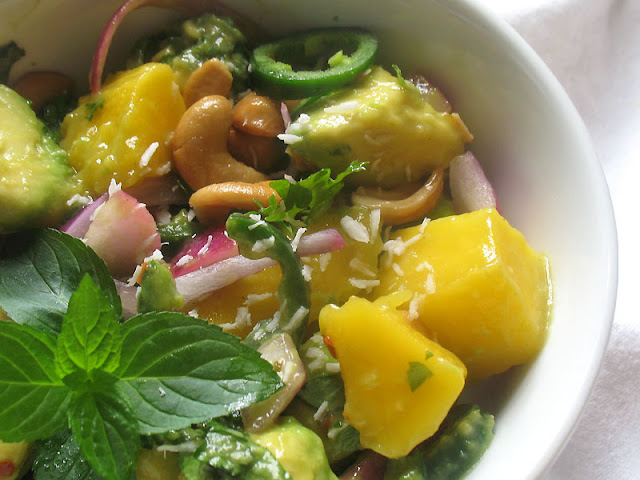 avocado mango salad with cashews