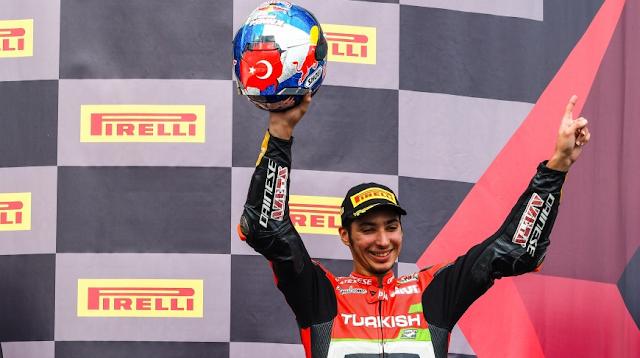 Toprak Razgatlıoğlu vence também a Superpole Race na França
