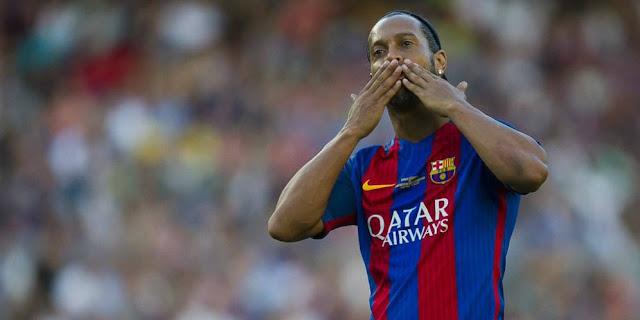 SBOBETASIA - Messi Atau Ronaldo? Ini Pilihan Ronaldinho