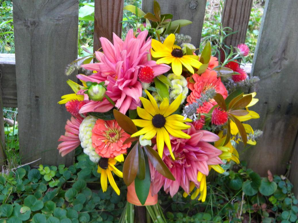 As You Wish Floral Design Early Spring Wedding At The Hy: Wedding Flowers From Springwell: Late Summer Bouquet From