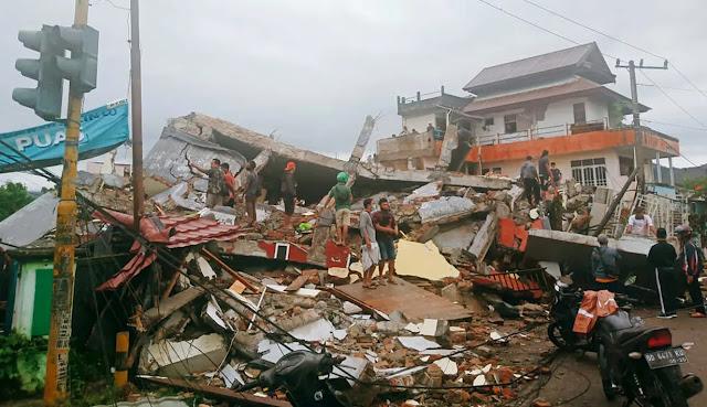 Gempa Dahsyat Hantam Majene, Rumah Sakit, Hotel dan Kantor Gubernur Ambruk, Korban Sampai Ratusan Jiwa