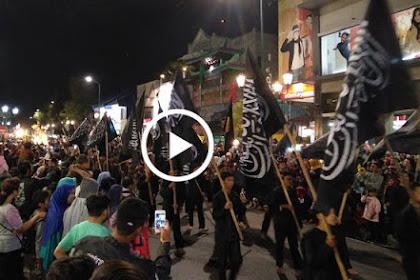 Wow.. Dubuka Walikota, Pawai Takbiran Di Jogjakarta Dihiasi Bendera Rasulullah [VIDEO]