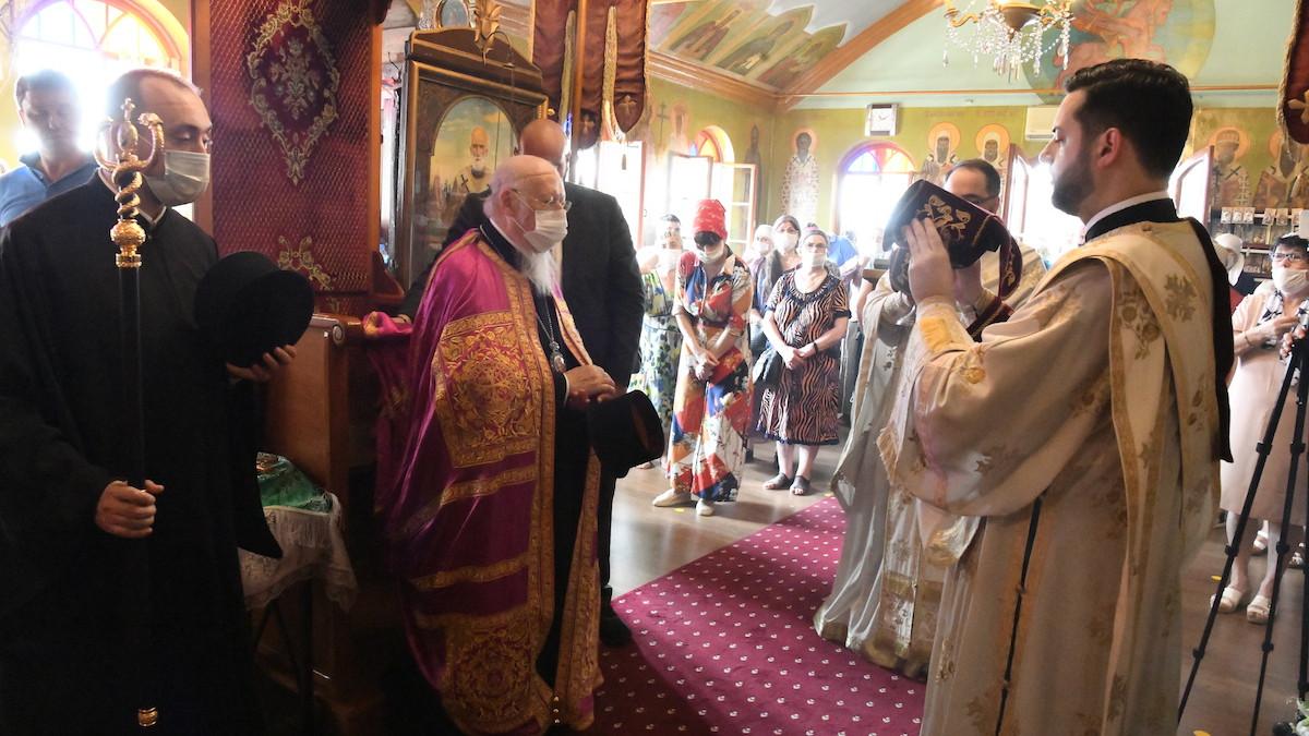 Βαρθολομαίος: Με την Θεία Κοινωνία δεν κολλάει ο κορονοϊός