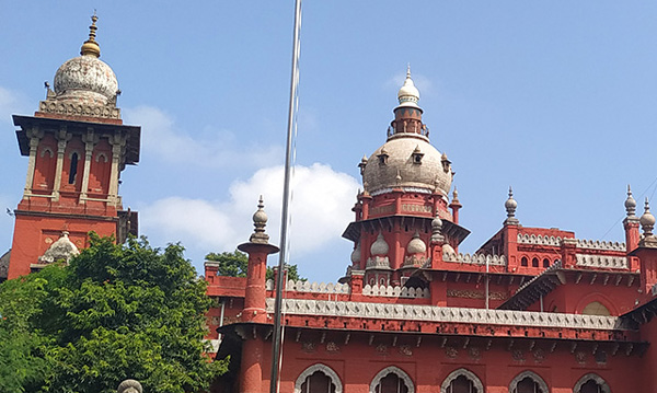 Not illegal to permit unmarried couples to occupy hotel rooms, Madras High Court,Chennai, News, Politics, High Court, Hotel, Raid, Police, Court Order, National