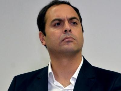 Governador de Pernambuco rompe com PSDB e DEM e pede que os partidos devolvam os cargos