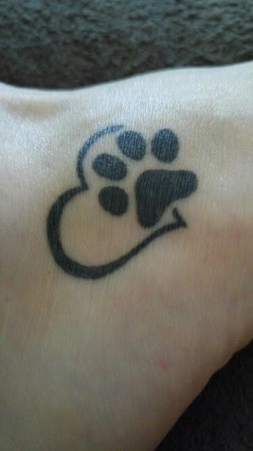 11 Cute Paw Print Tattoos For Women