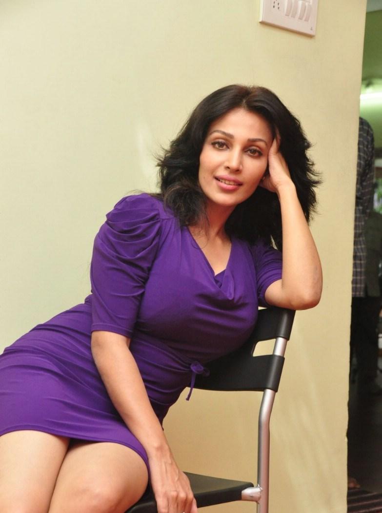 Asha Saini Hot Photo Gallery - Shiner Photos-8207