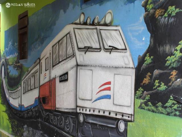 Kelebihan dan Kekurangan Menggunakan Transportasi Kereta Api