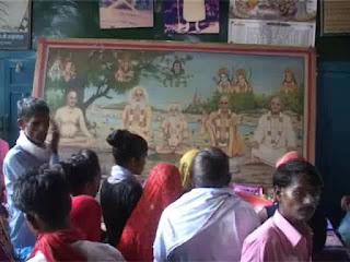 गुरुपूर्णिमा के पावन पर्व पर मंदिरों में उमड़ा श्रद्धालुओं का जनसैलाब।