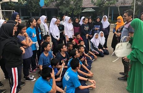 Gubernur Irwan Prayitno Berikan Motivasi Kepada Siswa-siswi SMP Negeri 1 Cirebon
