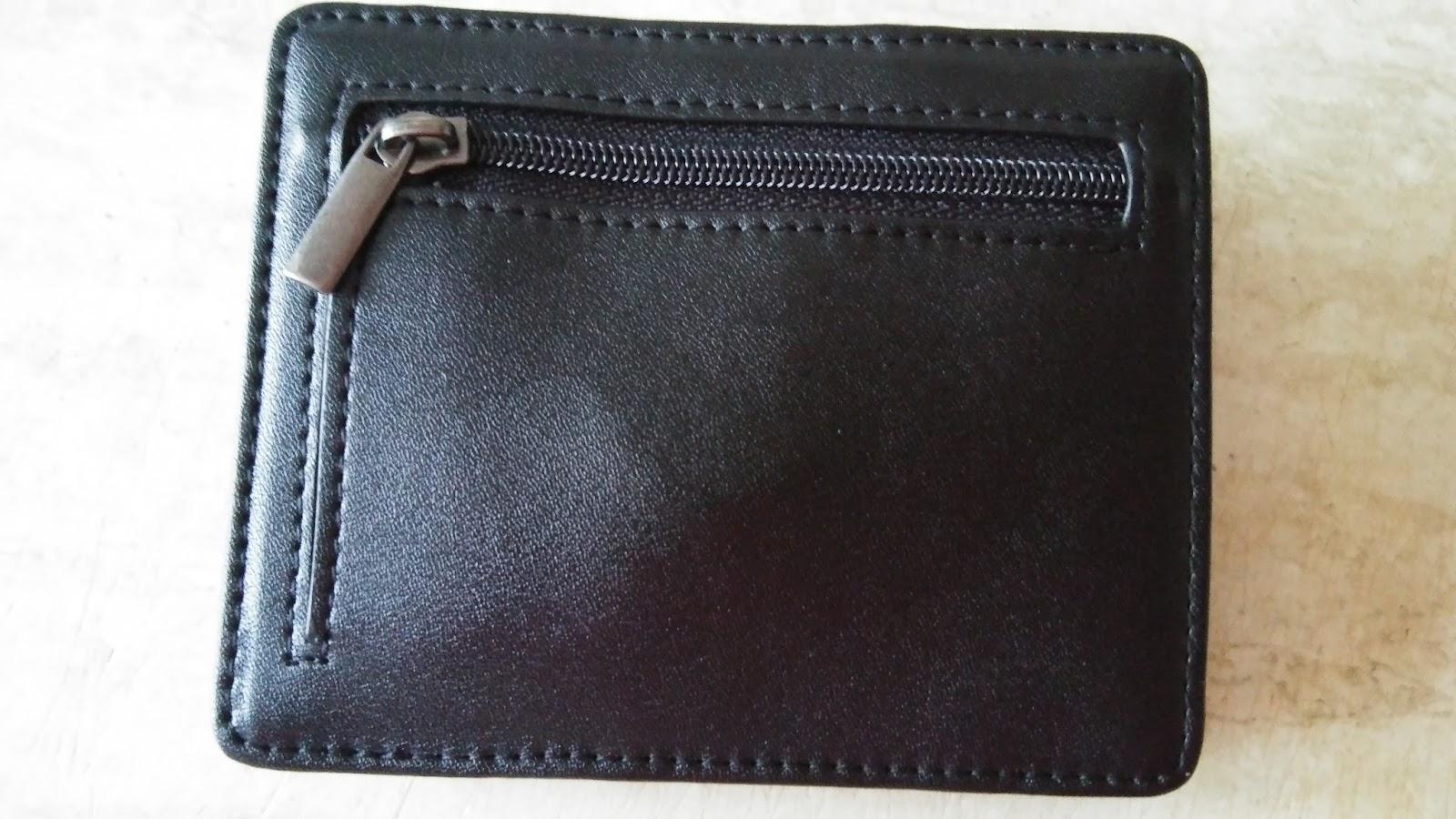 410d8ff71c484 Die Qualität des Design Magic Wallet von Makin ist sehr gut und der Preis  stimmt. Highlight ist natürlich die Magic-Flip-Flap Funktion.