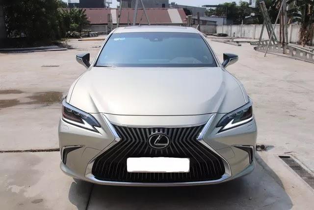 Hàng hiếm Lexus ES 250 2020 bán lại giá 2,5 tỷ đồng sau 1.300km kèm tiết lộ: Chủ xe là đại gia sưu tầm kín tiếng - Ảnh 5.