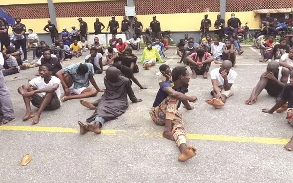 Photo: 400 suspected robbers, kidnappers arrested in Lagos